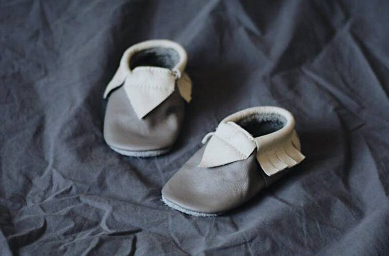 d7dbe8d34cd6 Бизнес в декрете: как заработать на обуви и одежде для самых ...