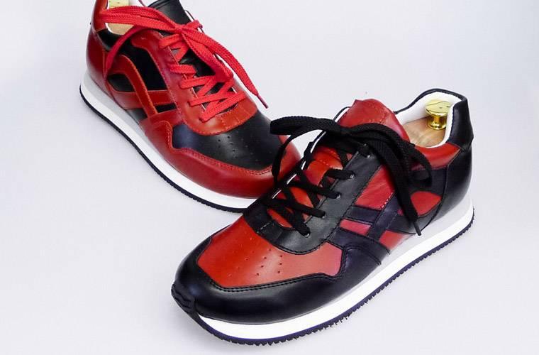 05817f1815ed Многие частные фирмы по пошиву обуви гонятся за нашим стандартом, но не  могут его достичь. У них средний срок изготовления обуви на заказ – больше  месяца.